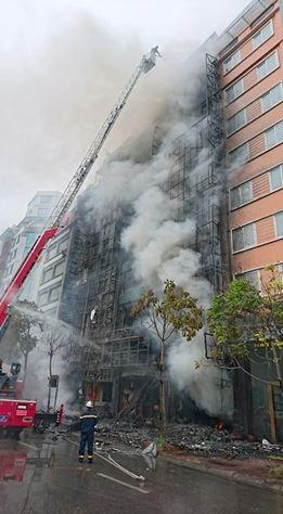 Hà Nội: 13 người tử vong trong vụ cháy quán karaoke - 22