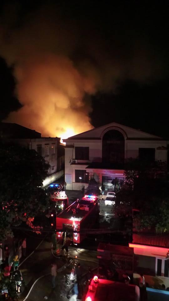 Hà Nội: Cháy dữ dội tại kho hàng của nhiều công ty - 11