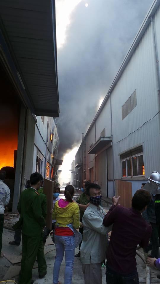 Hà Nội: Cháy lớn tại khu công nghiệp Ngọc Hồi - 15