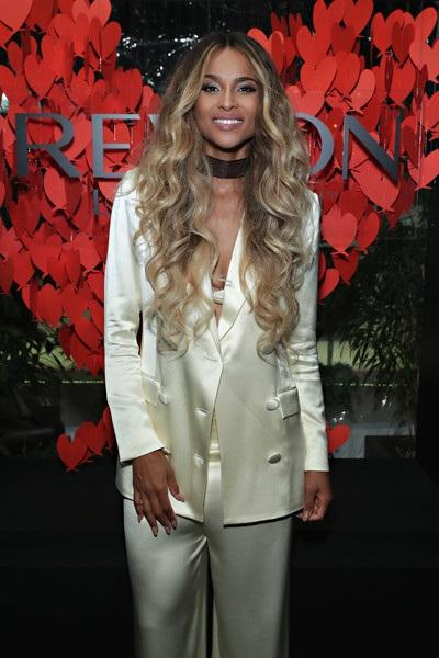 Ciara diện toàn trang phục rộng trong những ngày gần đây