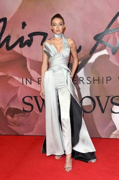Dàn người đẹp dập dìu dự lễ trao giải thời trang Anh quốc - 10