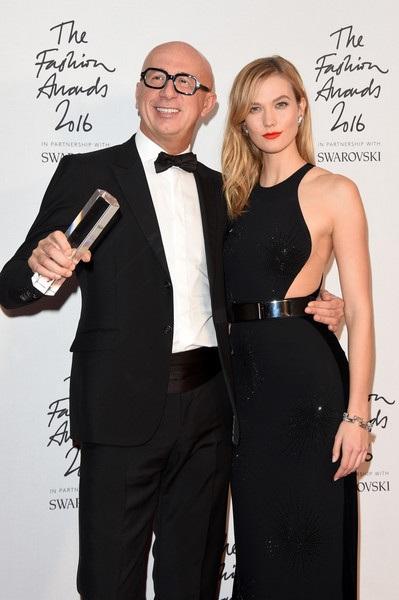 Karlie Kloss và CEO của hãng Gucci Marco Bizzarri