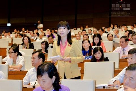ĐBQH Điều Huỳnh Sang - tỉnh Bình Phước chất vấn Bộ trưởng Bộ Giáo dục và Đào tạo.