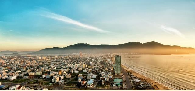 Dự án căn hộ 5* bên bờ biển Mỹ Khê, Luxury Apartment, thu hút giới đầu tư.
