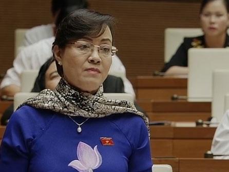 Nữ đại biểu đoàn TPHCM chất vấn về vấn nạn tham nhũng.