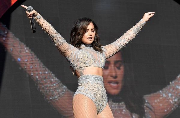Quyết định của nữ ca sỹ nổi tiếng khiến khán giả bất ngờ