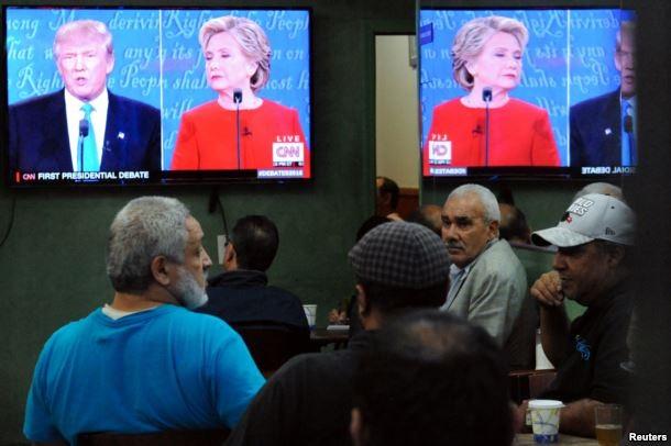 Hai cuộc tranh luận giữa các ứng viên tổng thống Mỹ thu hút đông đảo người xem. (Ảnh: Reuters)