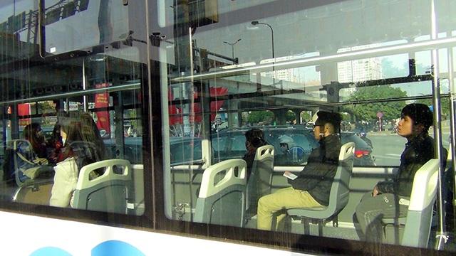 Những hành khách đi xe buýt miễn phí đầu tiên