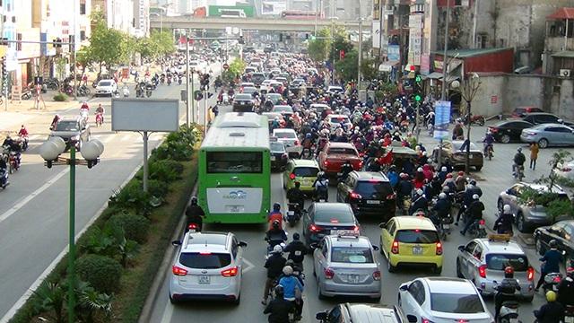 Lạc giữa dòng giao thông như thế này, liệu buýt có thể nhanh?
