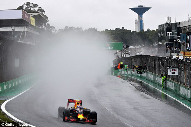 Thắng chặng, Lewis Hamilton tiếp tục nuôi giấc mơ vô địch - 5
