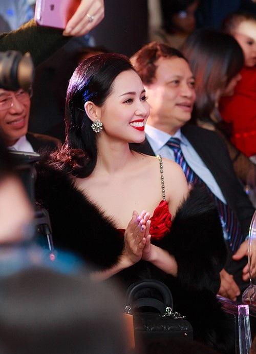 Hồng Quê, Tâm Tít, Bảo Trâm Idol hội ngộ trong ELLIE VU IN LOVE Fashion show - 9