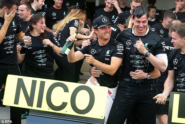 Nico Rosberg có chiến thắng chặng thứ 9, Mercedes vô địch F1 2016 - 16