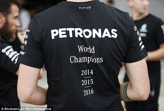 Nico Rosberg có chiến thắng chặng thứ 9, Mercedes vô địch F1 2016 - 15