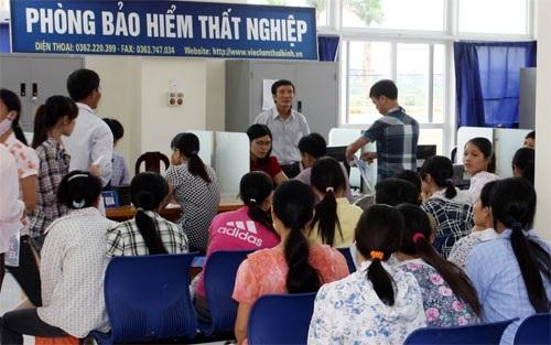 Tăng lương, tăng mức đóng BHXH … thuộc 11 điểm nhấn của lĩnh vực LĐ-TB&XH năm 2016 - 11