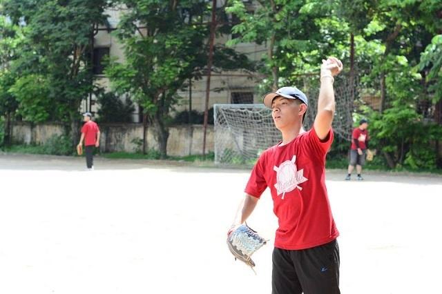 Nam từng là tình nguyện viên trại hè bóng chày đầu tiên cho trẻ em mồ côi tại Hà Nội