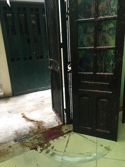 Rạng sáng ngày 2/9, gia đình chị Hà tiếp tục bị khủng bố bằng bom bẩn.
