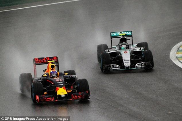 Thắng chặng, Lewis Hamilton tiếp tục nuôi giấc mơ vô địch - 1