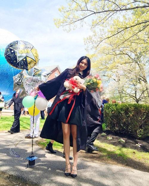 Vẻ rạng ngời của Cầu Cầu (Cindy) trong ngày tốt nghiệp trường Cao đẳng Babson tại Mỹ