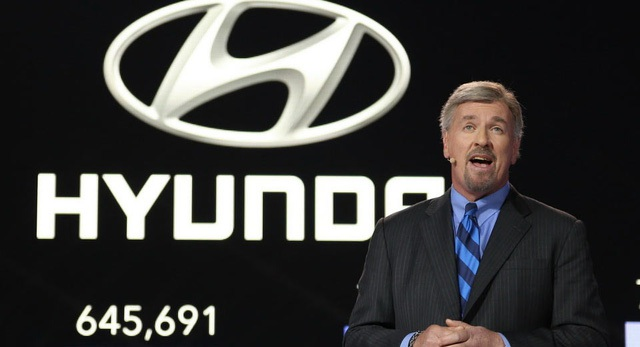 Hyundai Mỹ vừa quyết định sa thải CEO Dave Zuchowski vì không đạt được các mục tiêu doanh số ở nước này. Ông Jerry Flannery, Phó chủ tịch kiêm Giám đốc pháp lý, sẽ tạm thời đảm nhiệm vị trí CEO của Hyundai Mỹ cho đến khi công ty chọn được người mới.