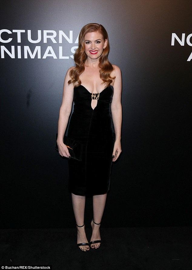 Isla Fisher - 40 tuổi vẫn trẻ đẹp ngỡ ngàng