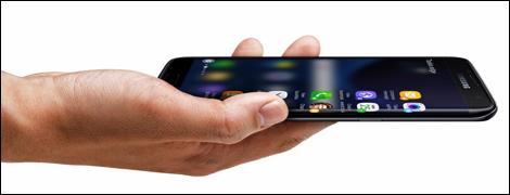 Với Galaxy S7 edge, trải nghiệm giải trí game hay phim ảnh cho chất lượng rất tốt.