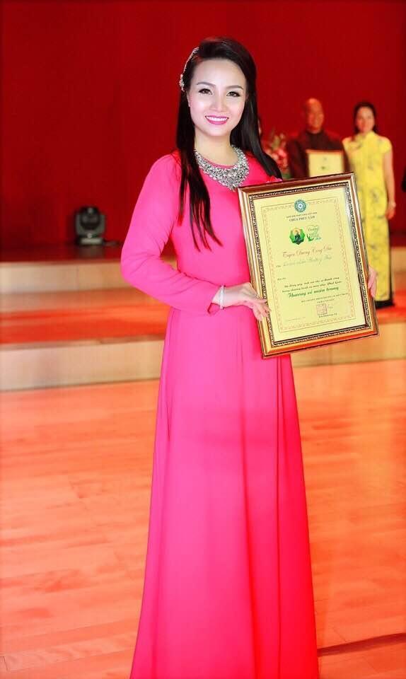 Doanh nhân Phương Bùi - chủ tịch câu lạc bộ phụ nữ Việt
