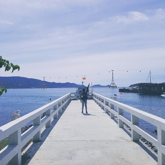 Những cầu cảng ngày đêm làm bến đỗ cho thuyền bè qua lại luôn là địa điểm thú vị để tín đồ du lịch sáng tạo nên những tác phẩm độc đáo của riêng mình. (Ảnh dự thi của Nguyen Quoc Anh).