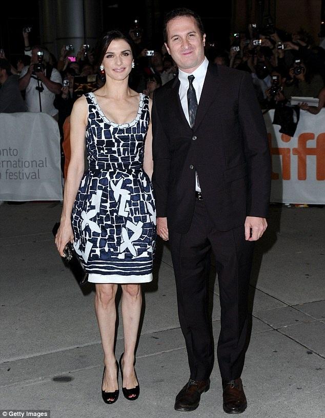 Darren Aronofsky từng hẹn hò 10 năm với minh tinh phim Xác ướp Ai Cập Rachel Weisz. Cặp đôi đã có với nhau 1 con trai