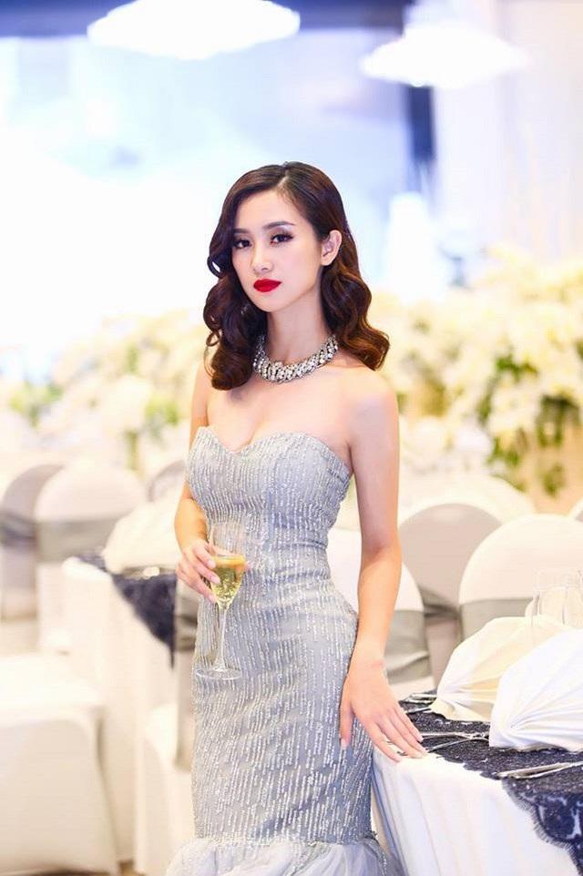 """Là người đẹp 9X có lí lịch """"sạch"""", Jun Vũ ngày càng khẳng định bản thân là cô gái đa năng và chiếm được nhiều cảm tình của công chúng Việt."""
