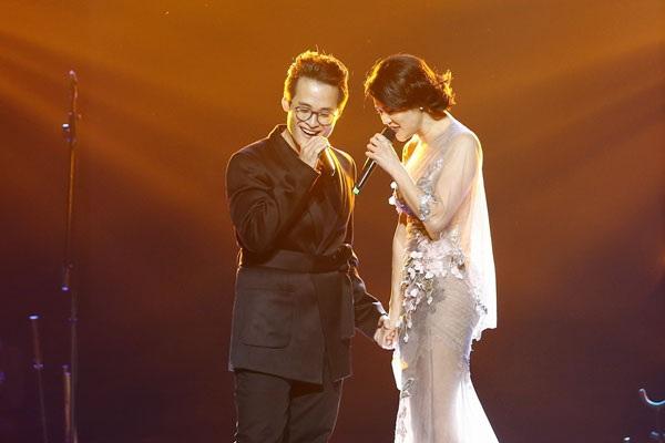 Thu Phương- Hà Anh Tuấn hát đầy cảm xúc với Hai chúng ta, Chưa bao giờ.