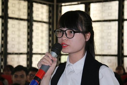 Phạm Thanh, cô gái gây bão khi hỏi làm sao để có mức lương khởi điểm 2000 đô/tháng