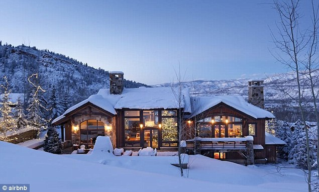 Dinh thực này có giá 22 triệu đô la, bao gồm 5 phòng ngủ, 5 phòng tắm, view rất nên thơ và lãng mạn
