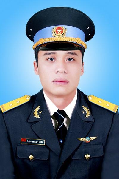 Trung uý Đặng Đình Duy, học viên bay.