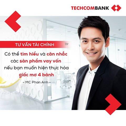 Techcombank và MC Phan Anh Livestream tư vấn tài chính với khách hàng trên Facebook
