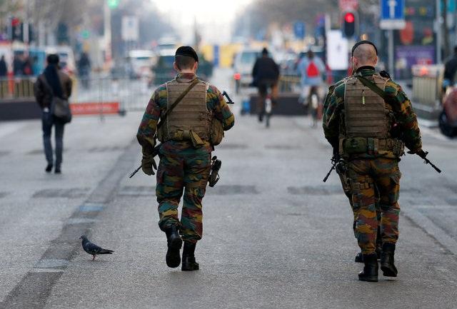 Cảnh sát Bỉ tăng cường tuần tra tại thủ đô Brussels trước đêm giao thừa. (Ảnh: Reuters)