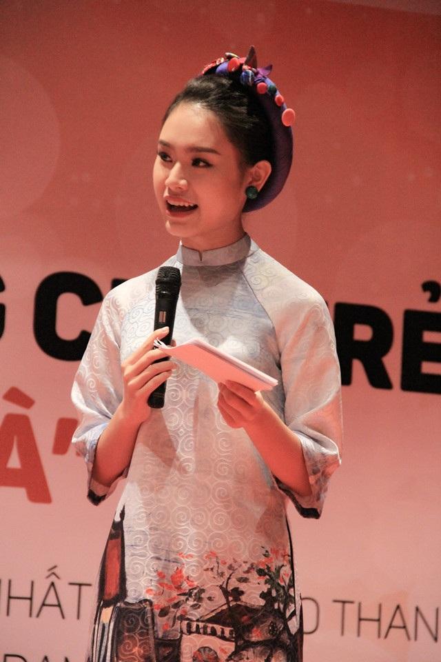 Nữ MC duyên dáng và tài năng đã truyền đam mê sáng chế khoa học đến các bạn trẻ bằng câu chuyện của chính mình.