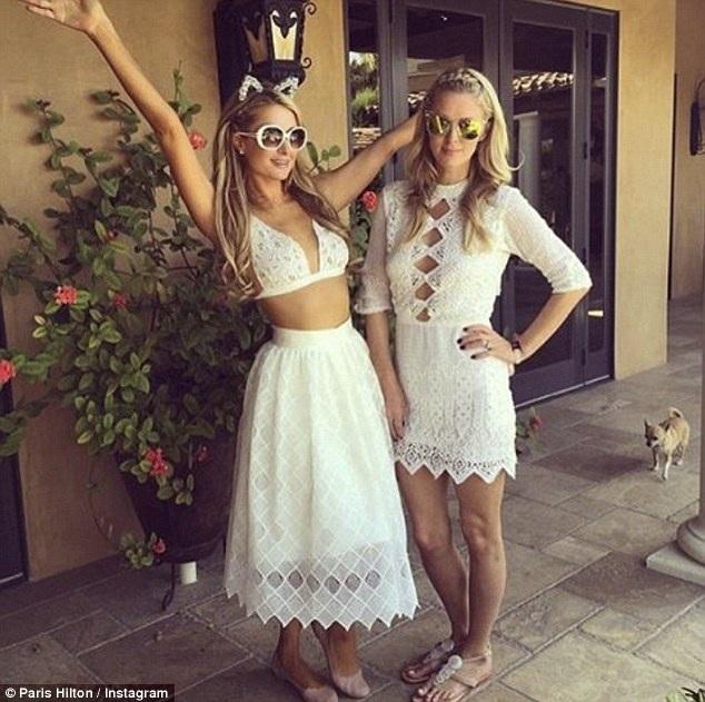 Nicky đã yên bề gia thất trong khi chị gái 35 tuổi Paris Hilton vẫn tung tẩy sống đời độc thân sau nhiều mối tình tan vỡ.