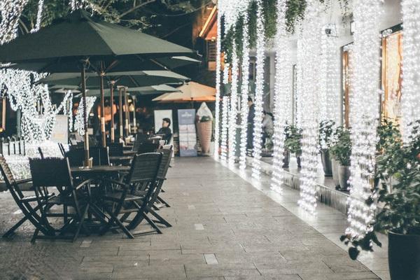 Không gian lãng mạn như mơ của một góc café
