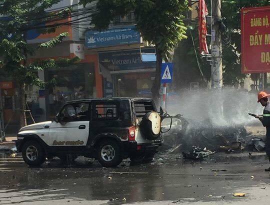 Xe taxi phát nổ kinh hoàng ở Cẩm Phả, 2 người thiệt mạng - 6
