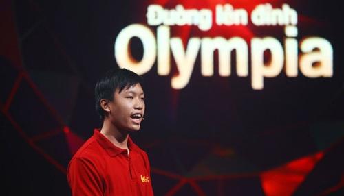 Hồ Đắc Thanh Chương tỏa sáng trong cuộc thi Olympia thứ 16