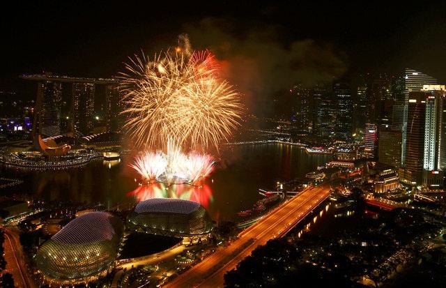 Vinh Marina trong thời khắc trong đón năm mới 2017 (Ảnh: Reuters)