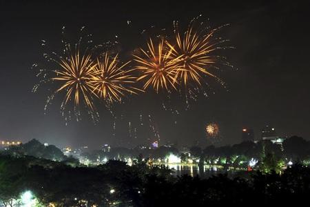 Hà Nội chính thức không bắn pháo hoa dịp Tết Âm lịch