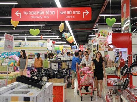 Nhiều doanh nghiệp ngoại đang cạnh tranh trên sân nhà Việt Nam. Ảnh: TÚ UYÊN