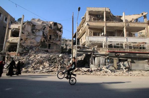 """Việc các """"ông lớn"""" còn mải đấu khẩu càng khiến tình hình Syria thêm phức tạp. Ảnh: Reuters."""