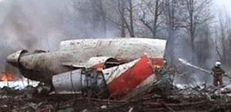 Ảnh chụp màn hình xác chiếc máy bay gặp nạn tại Smolenk. Ảnh: Reuters.