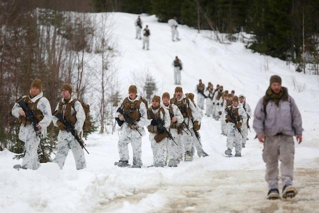 Lính Mỹ trong một đợt luyện tập tác chiến trong điều kiện thời tiết khắc nghiệt ở Na Uy.