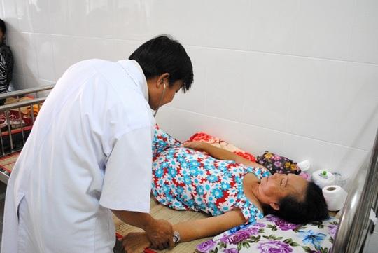 Bà Năm đang được điều trị tại Bệnh viện đa khoa Sa Đéc