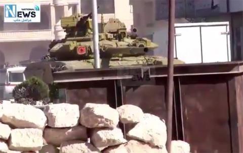 Nga đã ngừng không kích trong nửa tháng, còn Quân đội Syria đã phải điều xe tăng T-90 đến Aleppo