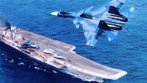 Tiêm kích hạm Su-33 trên tàu sân bay Đô đốc Kuznetsov của Nga