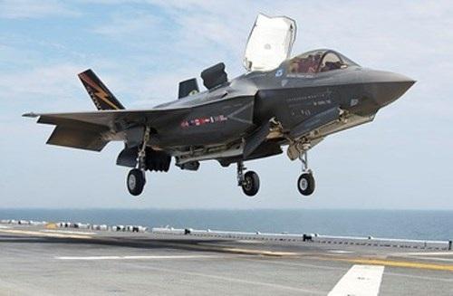 Máy bay chiến đấu F-35B dành cho Thủy quân lục chiến Mỹ / DefenseTalk.